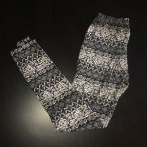 Patterned Leggings Size M